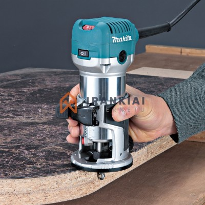 Makita   Vertikali freza RT0700CX5J